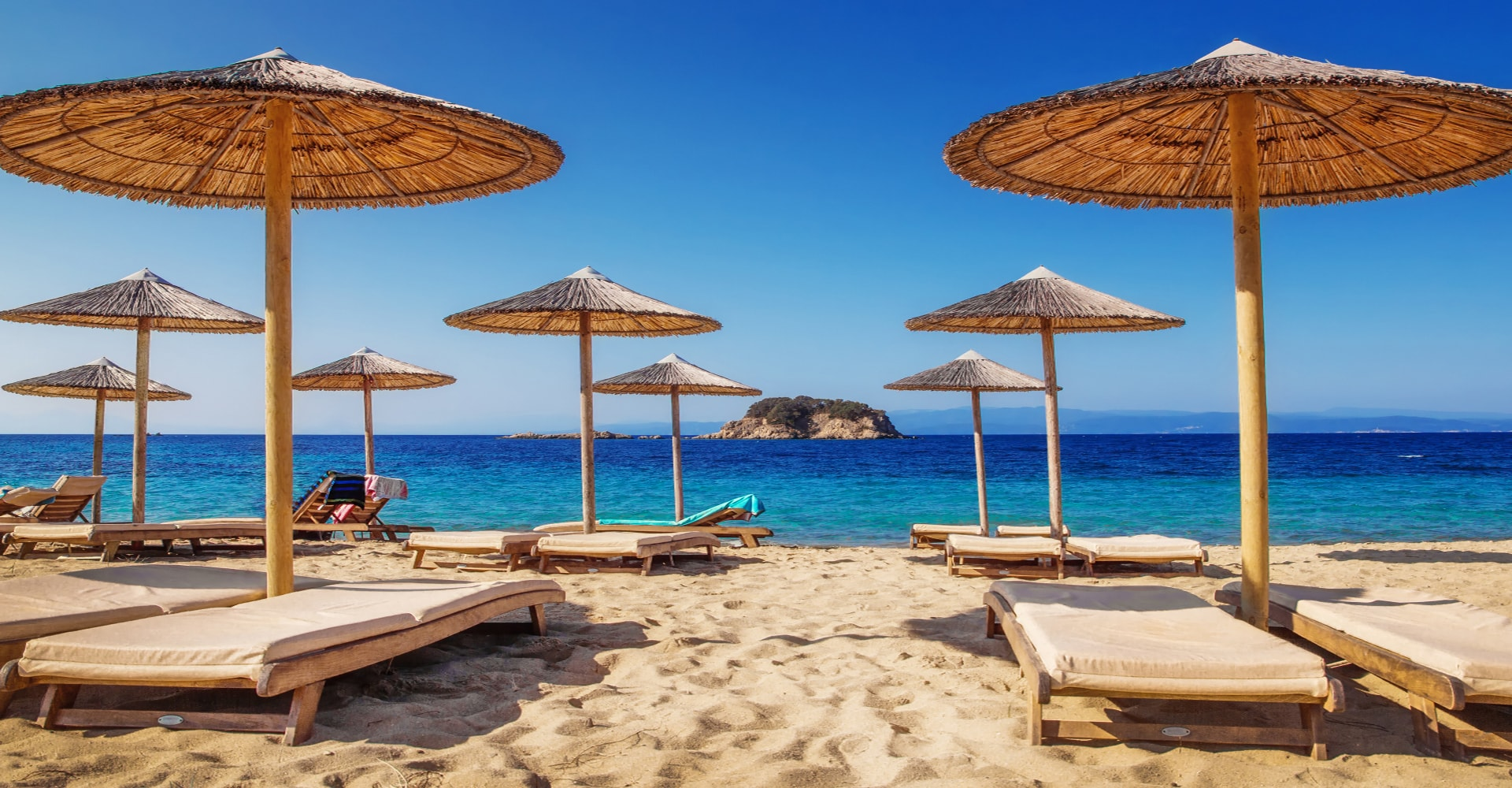 LOW COST TRAVEL TO SKIATHOS