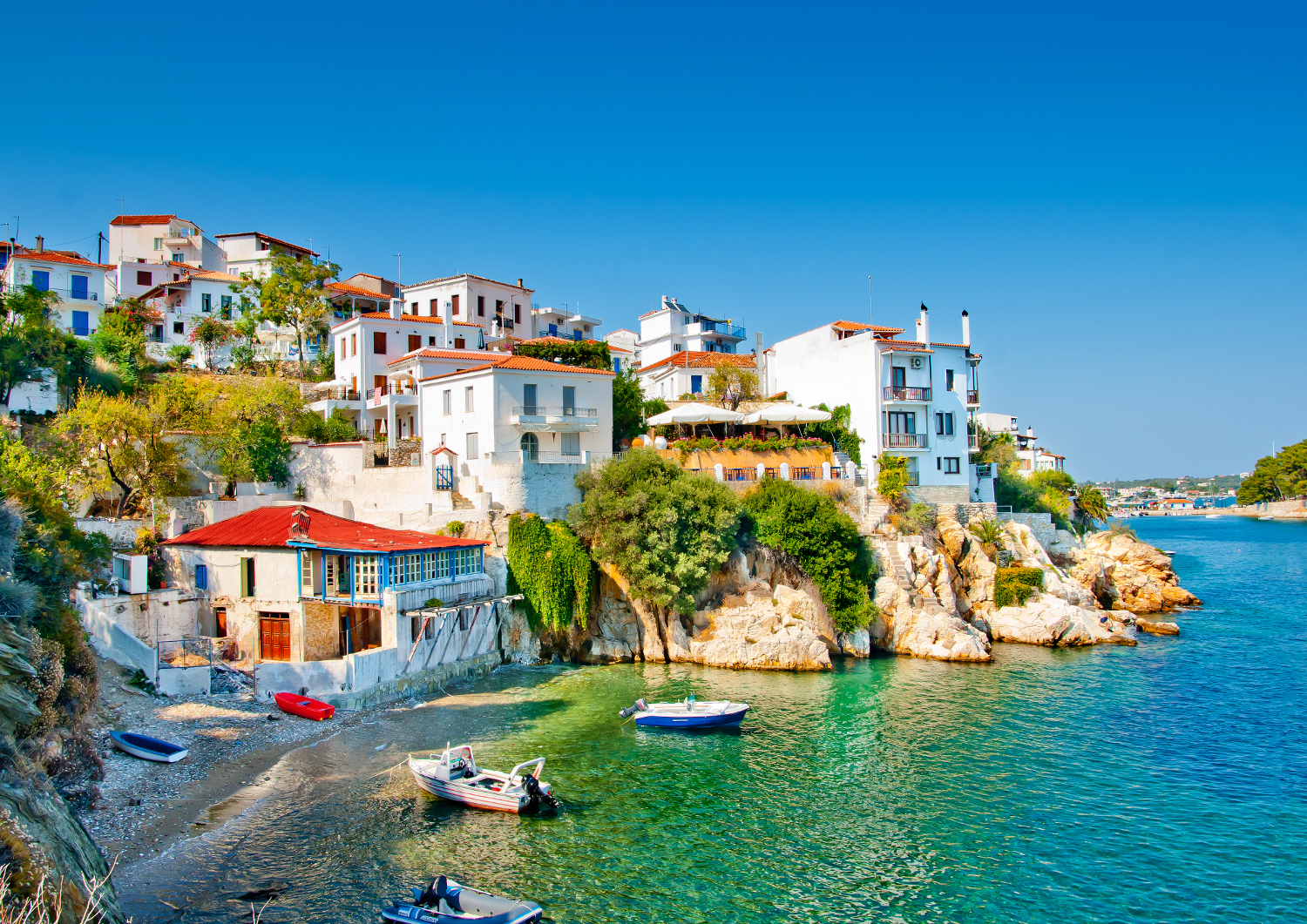 old-part-of-town-in-island-Skiathos-in-Greece.pg_